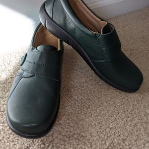 Hotter England Women's Green Clog Loafers